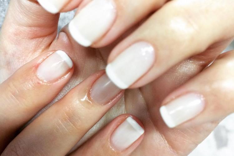 Νυχια (Manicure - Pedicure )